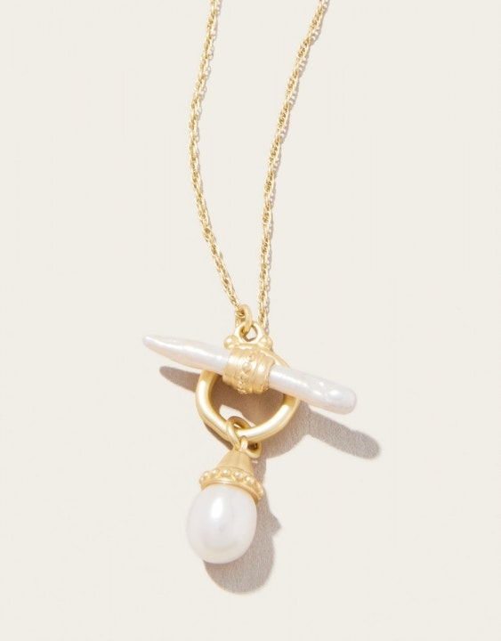 Pearl Toggle Bar Necklace