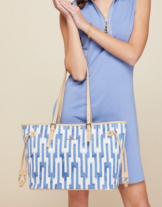 Oyster Alley Jetsetter Tote